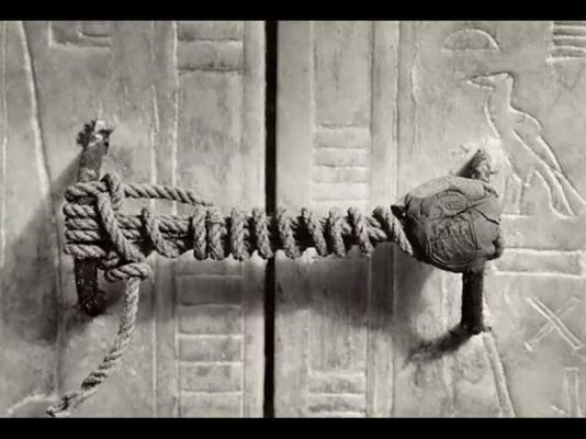 Vecchia foto del sigillo della tomba di Tutankhamon