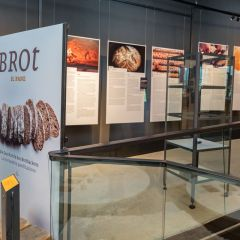 Sonderausstellung zur Geschichte des Brotbackens im archeoParc Schnalstal<br/>Mostra temporanea sulla storia della panificazione nell'archeoParc Val Seanles<br/>Special exibition about the history of bread making at the archeoParc Val Senales<br/><br/>