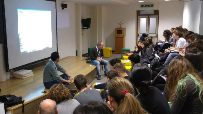 Scuola di storytelling digitale, paestum, swipe story