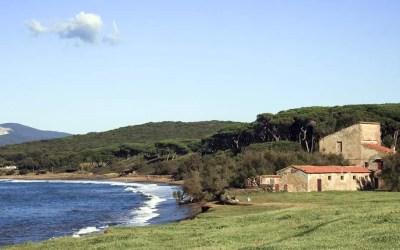 Uomo sepolto in catene sulla spiaggia di Baratti: una nuova straordinaria scoperta nell'etrusca Populonia