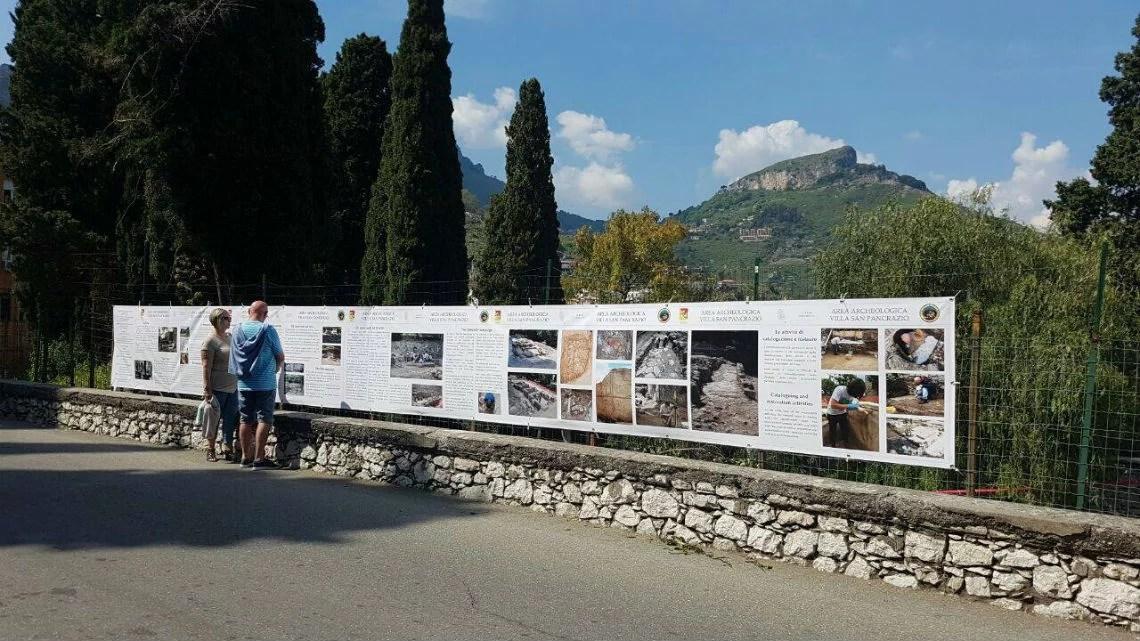 Banner alle domus di Villa San Pancrazio, Taormina