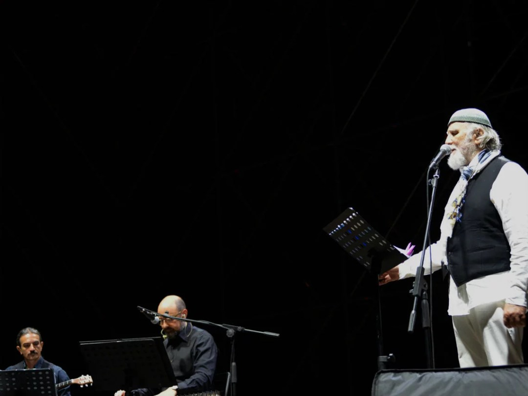 Moni-Ovadia-la-cantata-della-grecità-stage