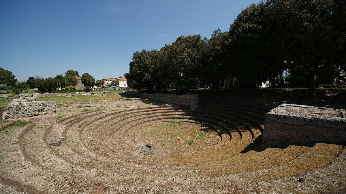 guerriero fantasma ekklesiasterion di Paestum