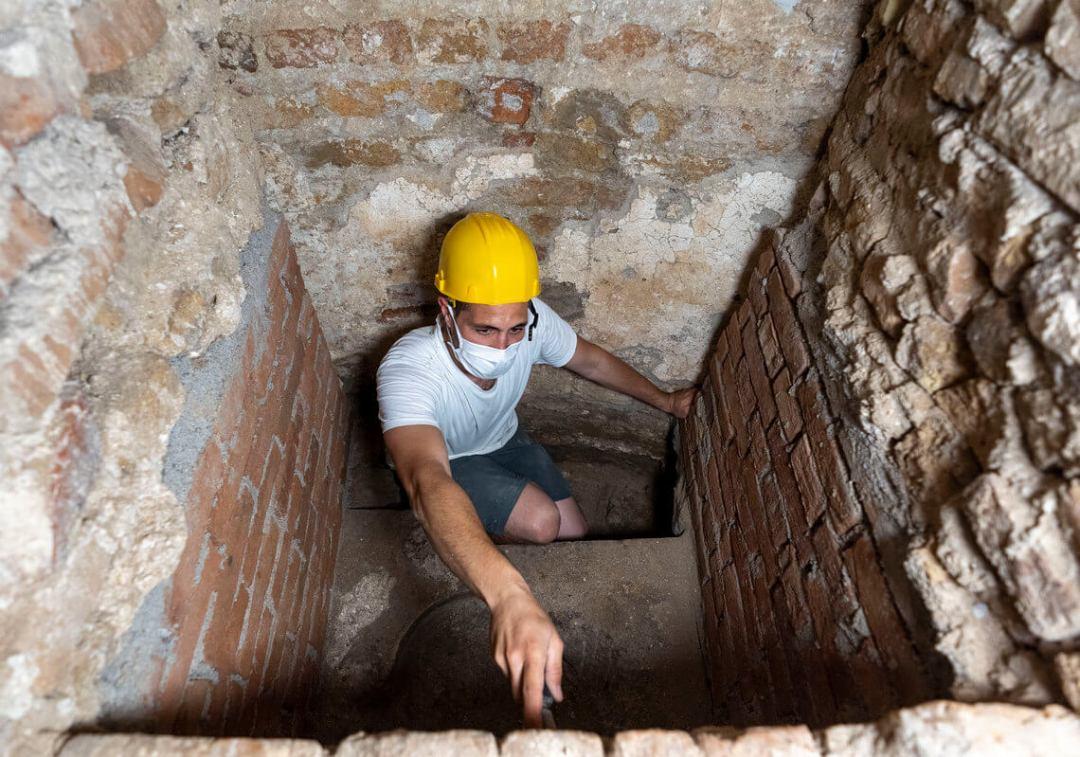 Torcello sotto altare Diaconico le fondazioni IX secolo
