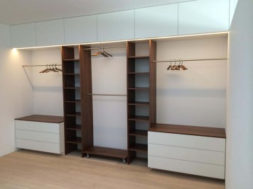 15_Wohnraumgewinnung_Garagenaufstockung_Schlafzimmerschrank_Vierzueins_Design