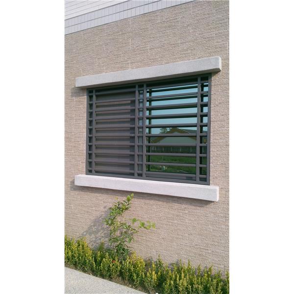 防盜窗產品介紹,防颱百葉窗,但通常有遮陽板等,氣密窗. 防颱氣密窗,硫化銅門,氣密2等級,鋼木門,線條優雅,No67060-弘大鋼鋁門窗