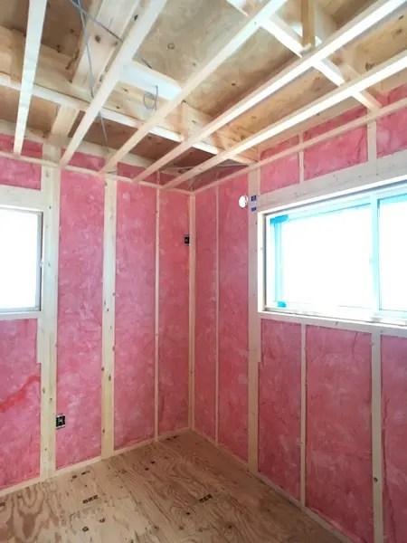 品川区で注文住宅を建てる工務店の断熱材施工