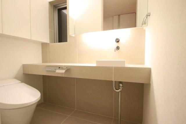 東久留米市注文住宅A邸のトイレ造作家具の画像