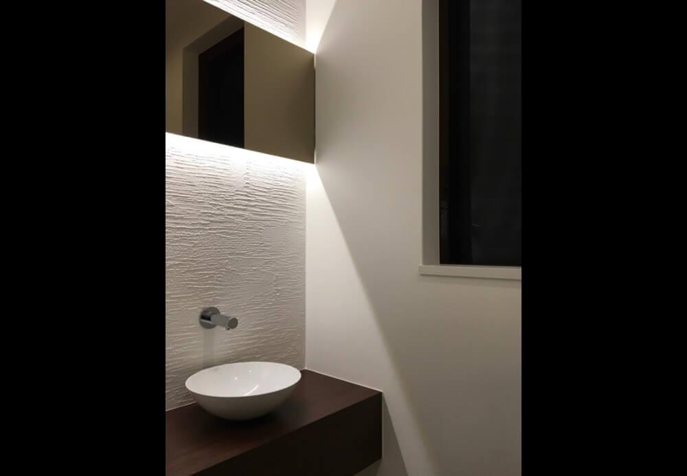 目黒区注文住宅:TS邸のトイレ手洗い画像