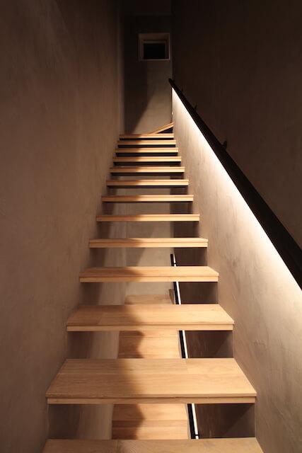 モールテックス|階段室の画像