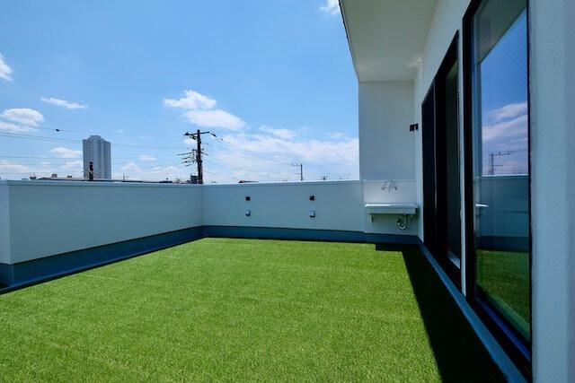 練馬区注文住宅 W邸事例 屋上テラスの画像