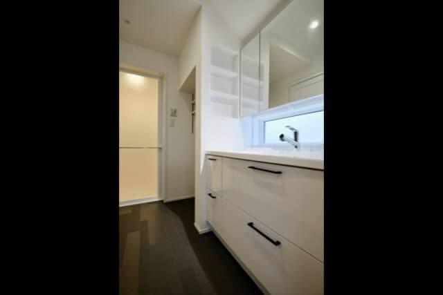 練馬区注文住宅|SE構法 S邸事例 洗面化粧台の画像