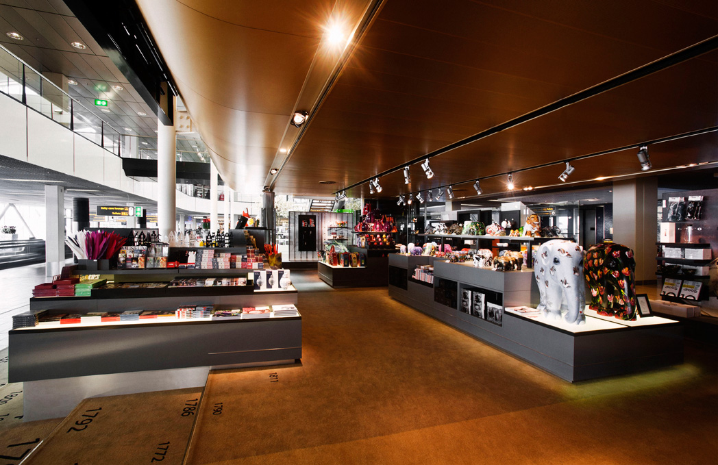 Schiphol Museum Shop by UXUS