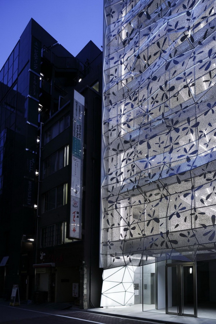Dear Ginza Building By Amano Design Office