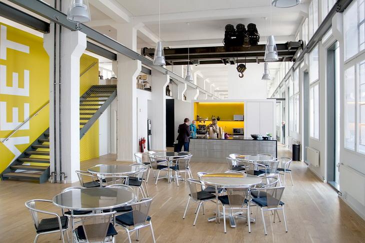 sofa table long narrow reclining microfiber set plh arkitekter's new offices