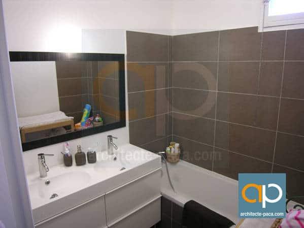 Salle de bain appartement marseille renover par architecte for Salle de bain marseille
