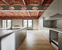 Renovation uncovers vaulted brick ceilings in Barcelona ...