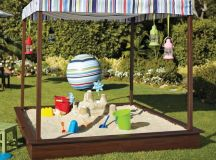 Bring the Beach in Your Backyard - Amazing DIY Sandbox