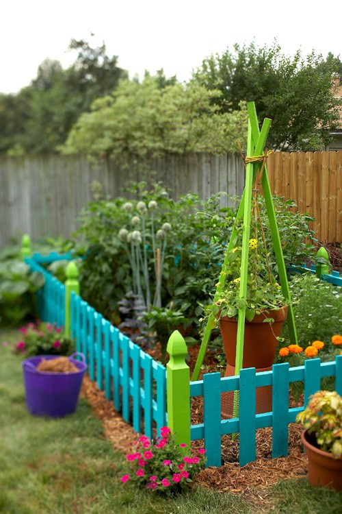 Beautiful DIY Garden Fence Made Using Old Pallets Via Http DIY