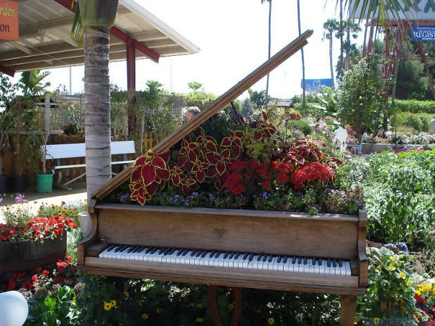 Fall Outdoor Decorations Wallpaper 26 Diy Inventive Ideas How To Repurpose Old Pianos