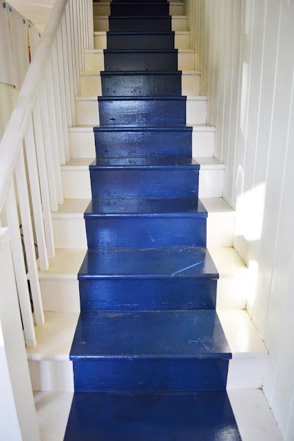 20 Fancy Painted Stair Runners Ideas