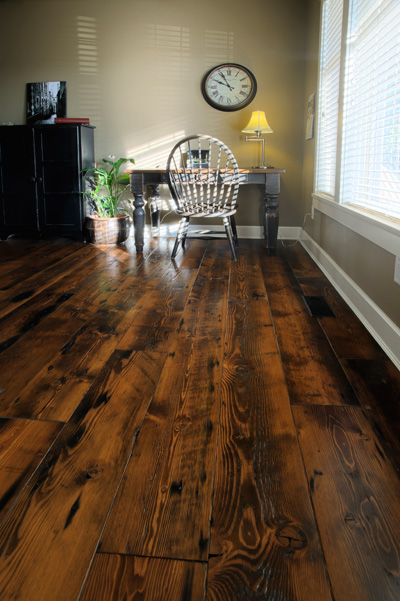 24 Amazing Ideas of Rustic Wood Flooring for Extravagant Look