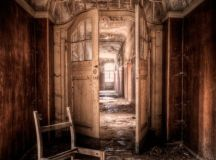 30 Fascinating Abandoned Buildings