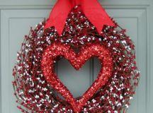 28 Lovely Handmade Valentines Wreath Designs