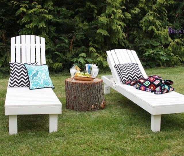 Cheap Wood Pallets Can Easily Be Turned Into Chic Garden Loungers