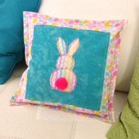 19 Beautiful Decorative Easter Pillows