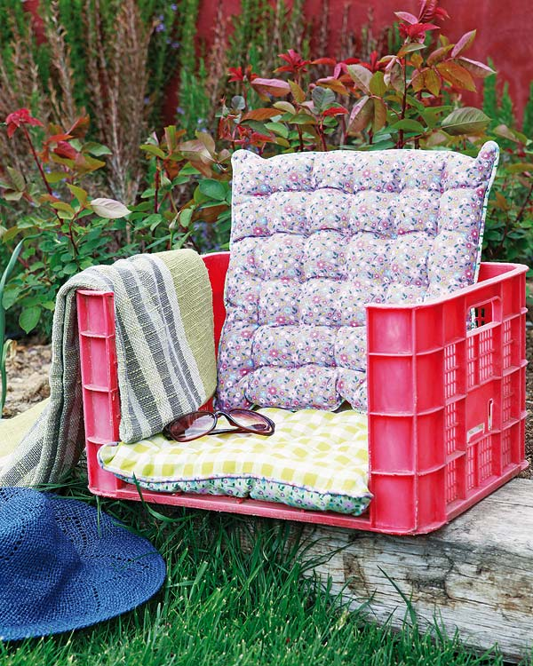 comfy chair and ottoman revolving price 22 easy fun diy outdoor furniture ideas