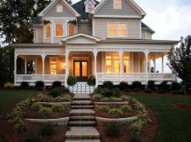 15 Impressive Victorian House Designs That Abound With ...