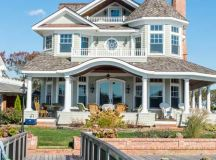 15 Superb Coastal Home Exterior Designs For The Beach Lovers