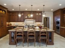 16 Beautiful Traditional Kitchen Design Ideas With Special ...