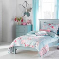 Blue Sofa Decorating Ideas Red Velvet Slipcover 21 Pastel Bedroom Design