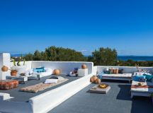 18 Lovely Mediterranean Terrace Designs That Are Perfect ...