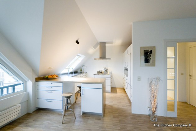 16 Functional Attic Kitchen Design Ideas