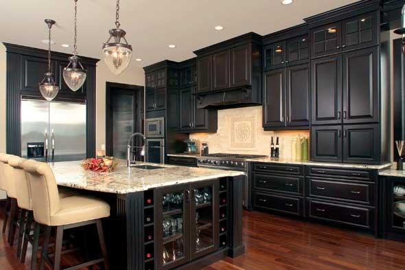 Dramatic Dark Kitchen Design Ideas