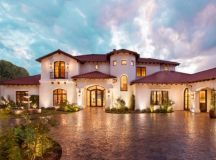 19 Astounding Luxury Mediterranean House Designs You'll ...