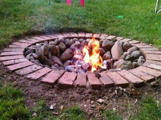 18 Marvelous DIY Outdoor Fire Pit Designs For Real