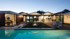 18 Outstanding Mid Century Modern Swimming Pool Designs