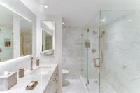19 Unforgettable Transitional Bathroom Interiors For A ...