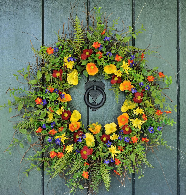 15 Joyful Handmade Spring Wreath Ideas To Decorate Your