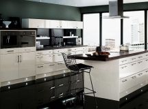 17 Gorgeous Black & White Kitchen Designs For Every Modern ...