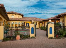 15 Captivating Southwestern Home Exterior Designs You'll ...
