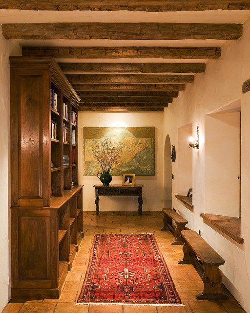 18 Appealing Southwestern Hallway Designs That Can