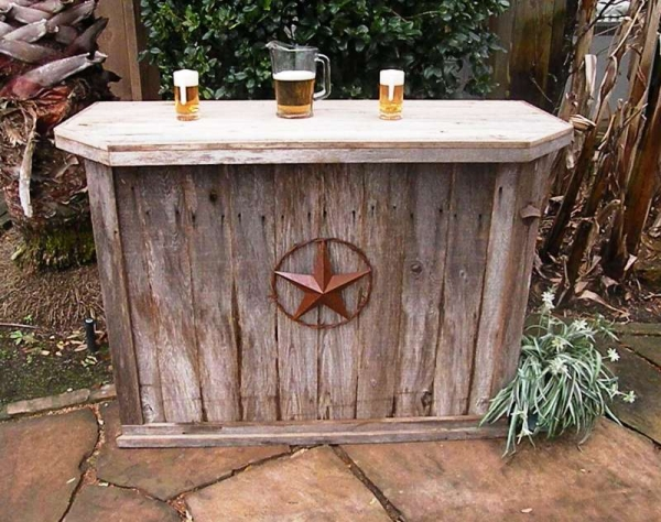 diy outdoor bar ideas 19 Super Easy & Cheap DIY Outdoor Bar Ideas