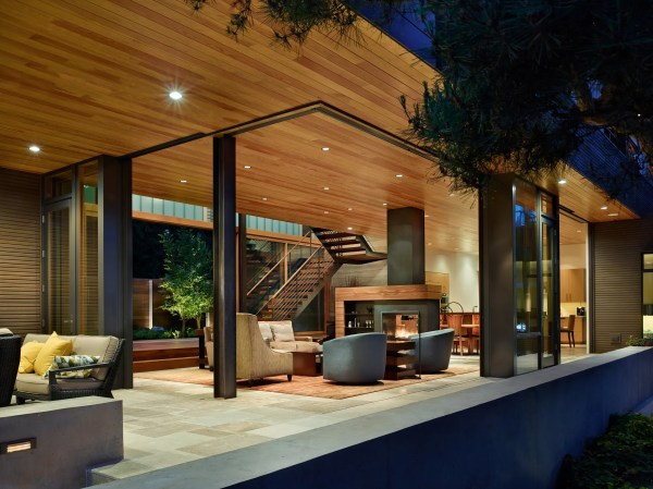 Modern House with Courtyard