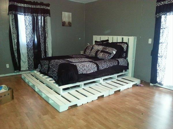 23 Really Fascinating DIY Pallet Bed Designs That Everyone