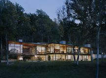 The Striking Blue Ridge Residence by Voorsanger Architects ...